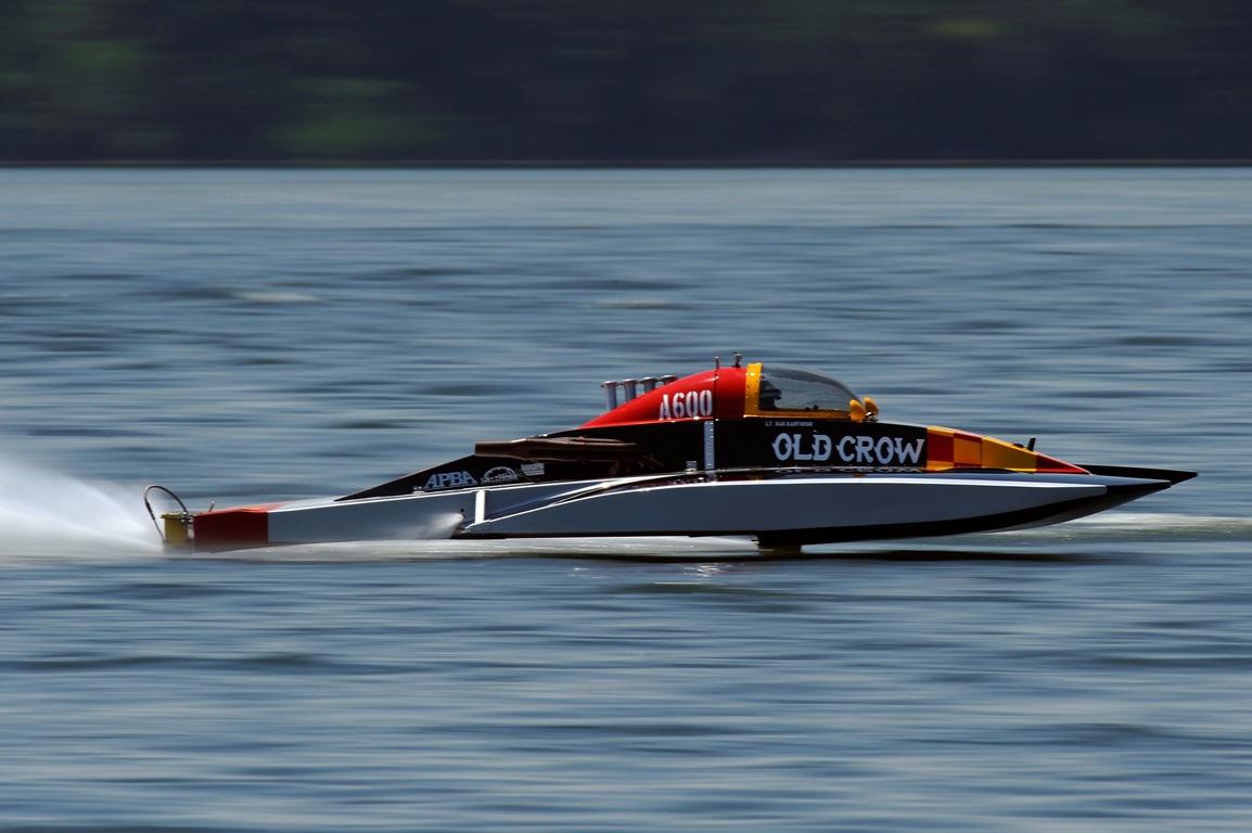 Inboard Hydroplane Racing