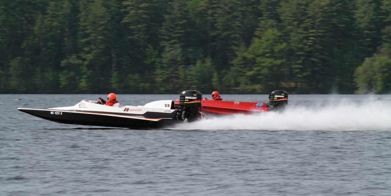 Outboard Drag Boat Racing