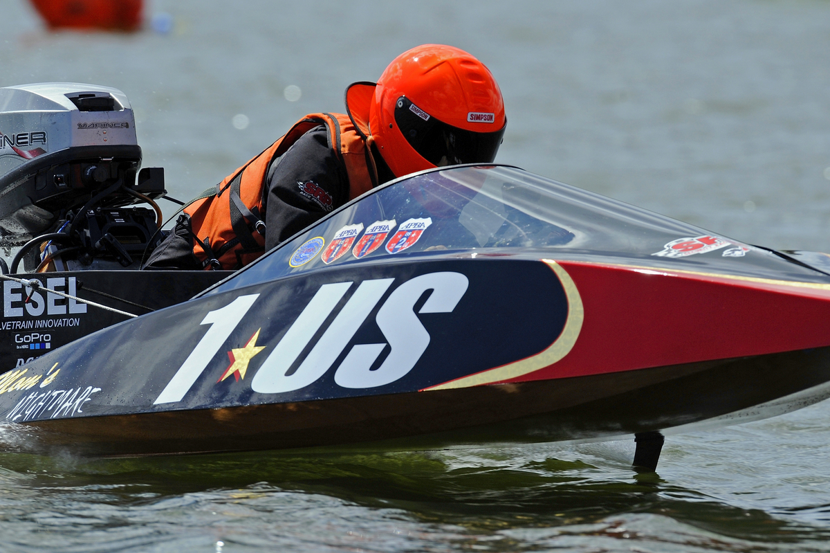 Stock Outboard Runabout Racing